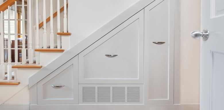 espace sous escalier