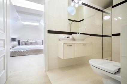 aménagement salle de bains dans chambre